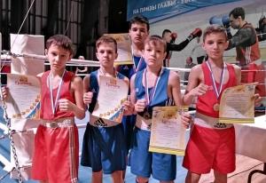 Боксеры из центральной секции после награждения