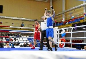 (16) Четвертьфинал. На ринге Вячеслав Горбунов