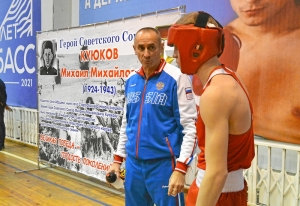 2 Вячеслав Горбунов перед выходом на ринг