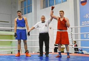 4 На ринге Александр Шульц (в красной форме) (5)